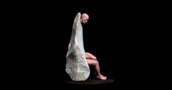 Gres y piedra Tamaño 20 x 19 x 35cm. Año 2013