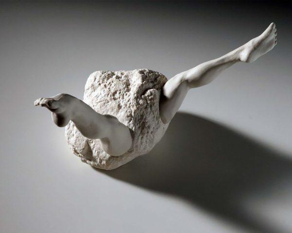 sin título, porcelana, 38 x 24 x 25cm, 2017