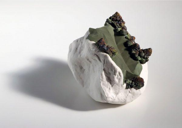 hábitat XI, porcelain, 11 x 25 x 27cm, 2018